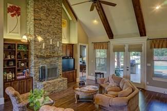 保持客厅、厨房和家里的清洁