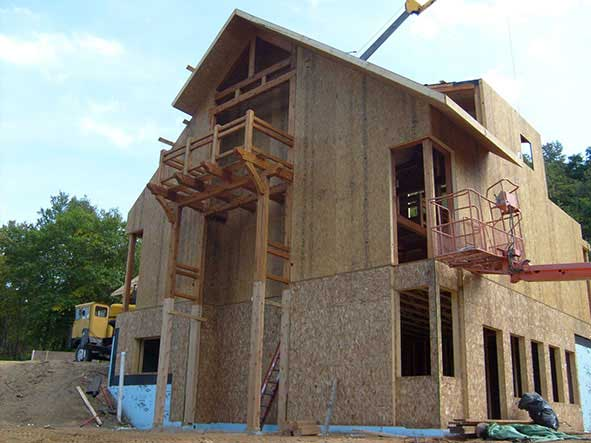 Timber Framer uses Thermocore insulated wall and roof panels on own Wisconsin home project for energy efficiency