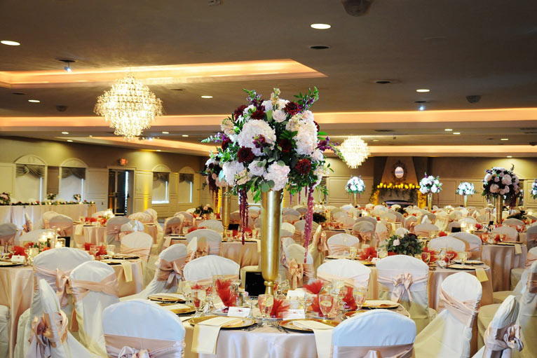 The Ballroom at The Willows hosts an elegant wedding reception in Indianapolis