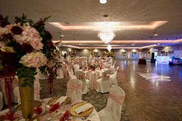 The perfect venue for a elegant wedding reception is The Ballroom at The Willows in Indianapolis
