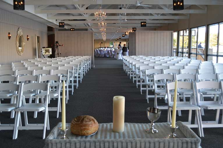 The Lodge at The Willows can host both the wedding ceremony and wedding reception in one venue