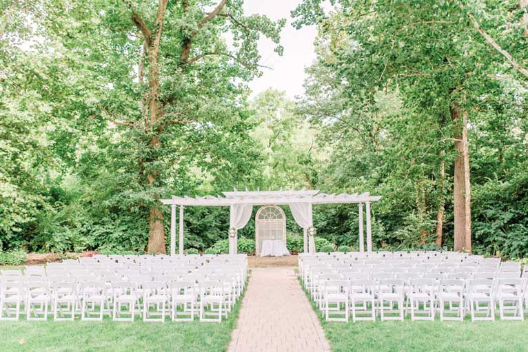 All ready for your Indianapolis wedding ceremony at The Lakefront Garden at The Willows