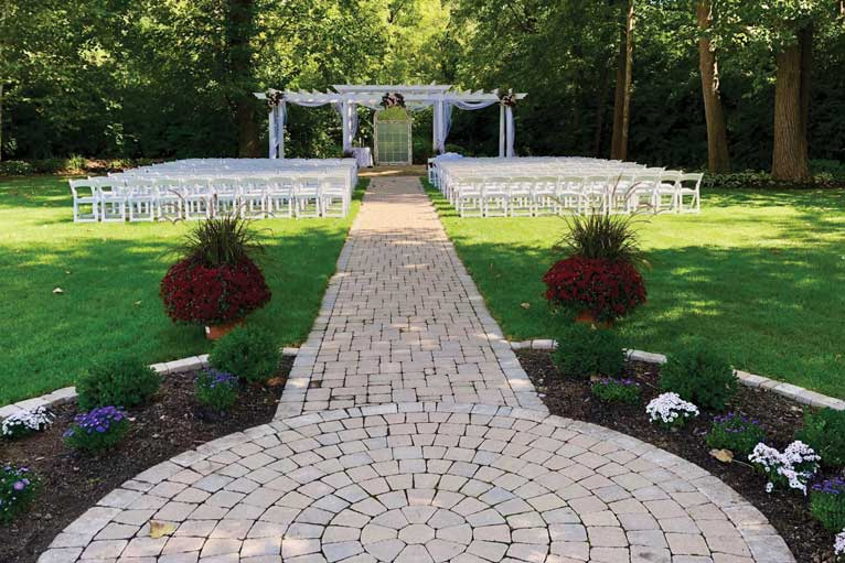 The Lakefront Garden at The Willows is a perfect place for a fall wedding in Indianapolis