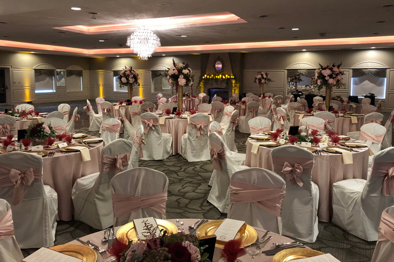 The Ballroom at The Willows is the perfect venue for a romantic wedding reception in Indianapolis