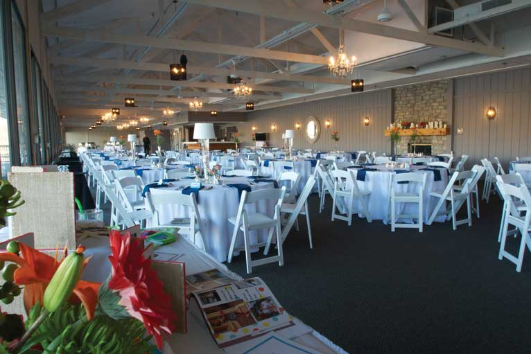 Daytime wedding reception in Indianapolis at The Lodge at The Willows