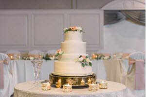 Classic Cakes provided a gorgeous wedding cake at The Ballroom at The Willows in Indianapolis