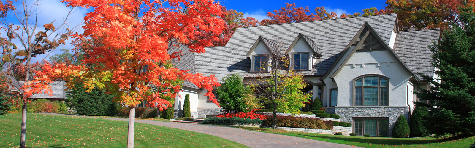 Central Indiana house in the fall