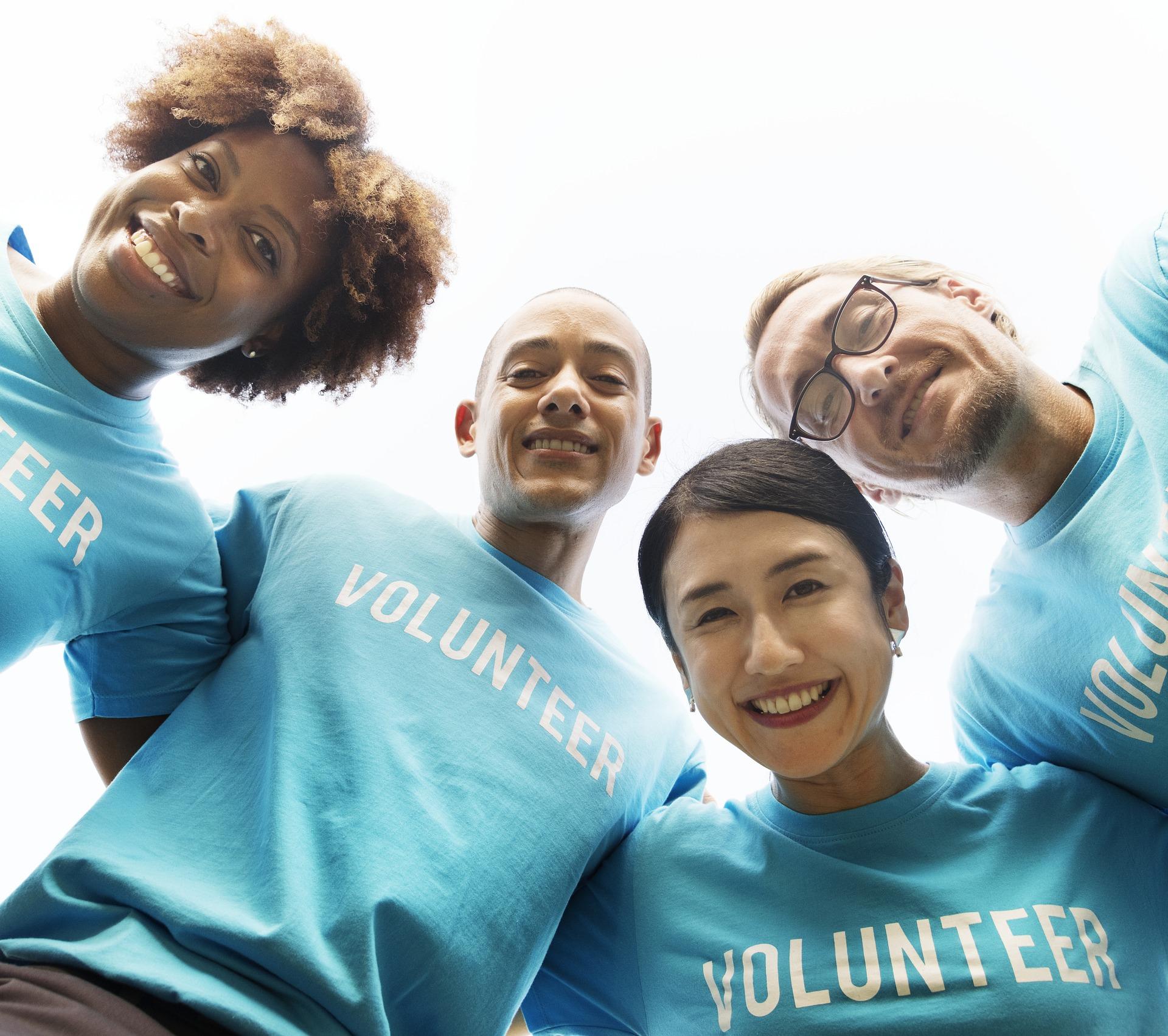 volunteer-3980607_1920-1