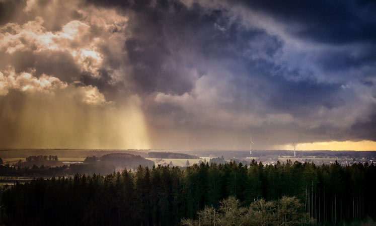 Thunderstorm while the sun is shining