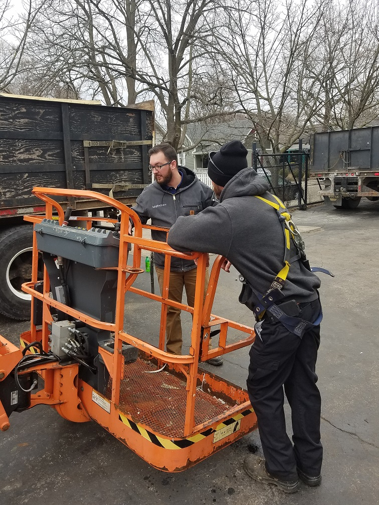 DR-RB TRAINING PROPER WAYS TO HANDLE AERIAL LIFT FOR AAA ROOFING