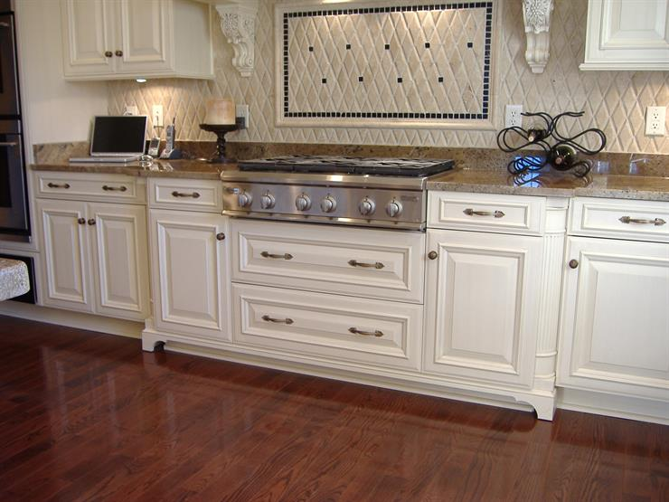 With only 1/4th of an inch between cabinet doors pulls or knobs are needed. Here are pictures of full overlay cabinet doors. & Inset Cabinets vs. Overlay: What is the Difference and Which Is Best ...