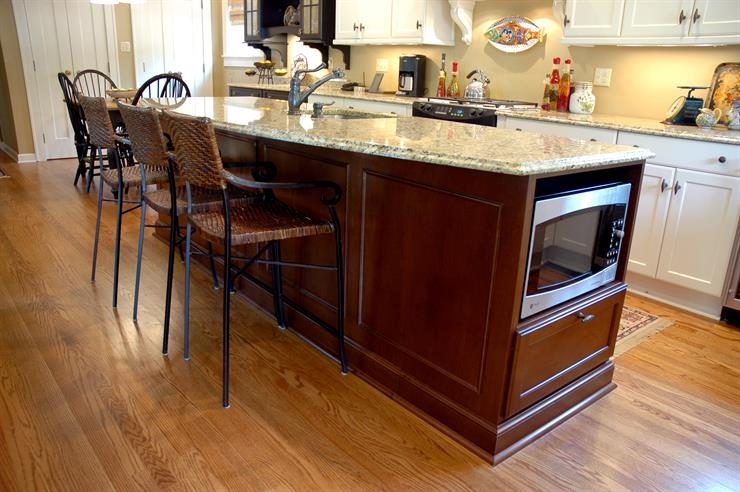 Adding a Kitchen Island | Cabinet Inspirations & Ideas