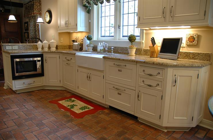 A Raised Dishwasher To Prevent Bending Over, OR A Drawer Style Dishwasher  To Make Loading Easier Than Traditional Dishwashers.
