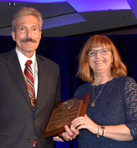 Dr Klock receives award