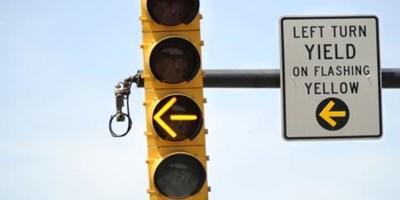 left-turn-yellow-traffic-light.jpg