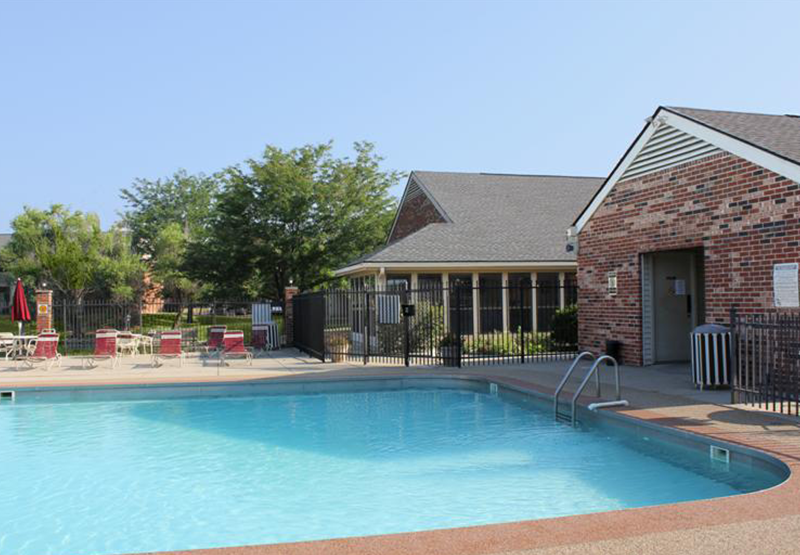 Pool   Willow Glen East Apartments   Indianapolis, Indiana