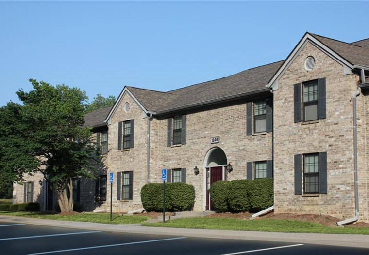 Eastlake Woods Apartments | Columbus, Indiana