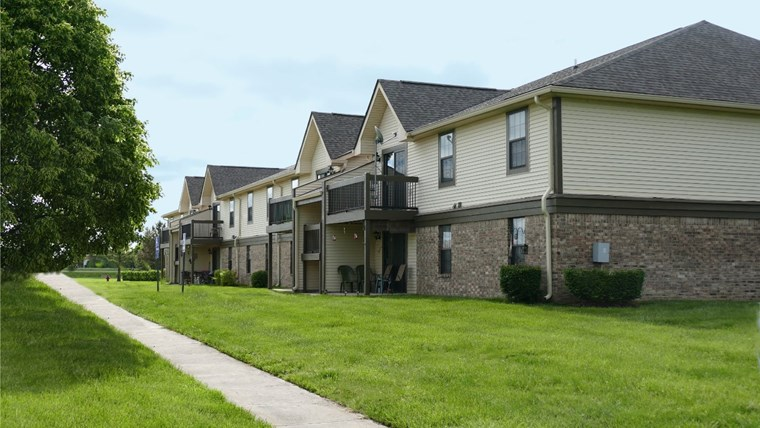 Back Apartments 145