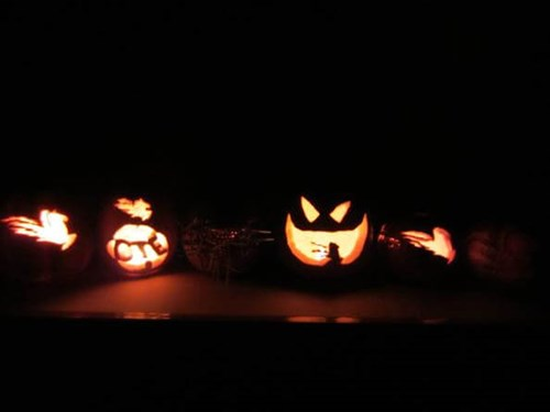 Cable Tie Express Pumpkin Carving with lights off